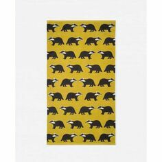 Anorak Kissing Badgers Bath Towel