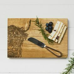 Scottish Oak Highland Cow Oak Cheese Board & Knife Set