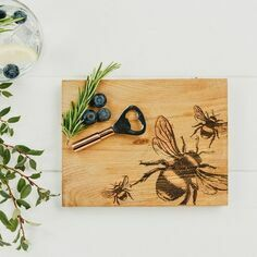 Scottish Oak Bee Cutting Board & Bottle Opener Set